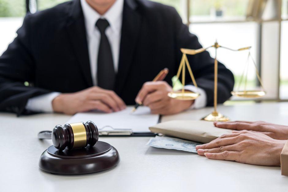 ¿Por qué estudiar un Doctorado en Derecho?