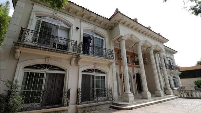 ¿Qué tiene de especial la mansión subastada por AMLO?